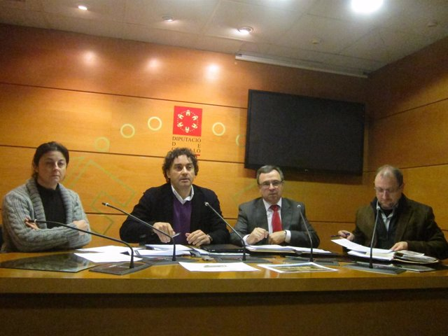 Francesc Colomer y otros dirigentes socialistas en una rueda de prensa