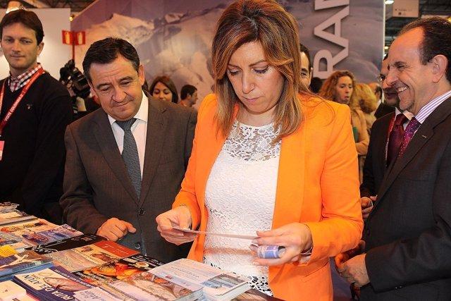 La presidenta de la Junta, Susana Díaz, en el estand de Cádiz en Fitur