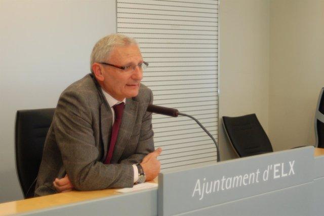 Manuel Latour