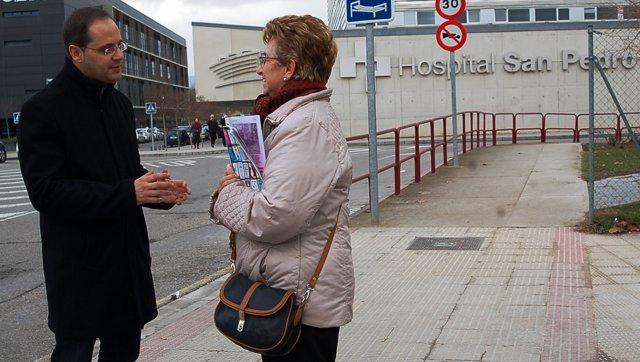 César Luena en el hospital San Pedro