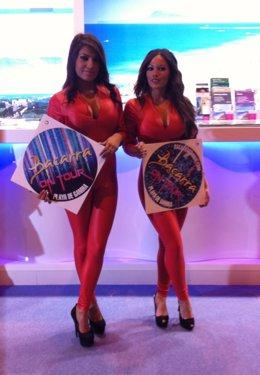 Azafatas de promoción de la discoteca Bacarrá de Gandía