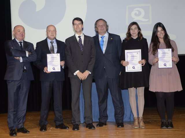 Entrega de premios a Bodegas en Fitur en presencia de Capellán