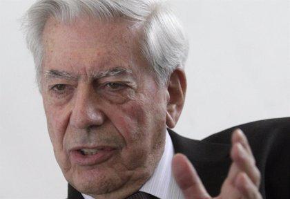 "Vargas Llosa: ""No soy peligroso. No he venido a Bolivia a conspirar con la oposición"""
