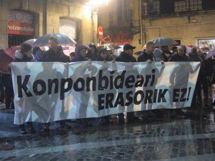 Cientos de personas se manifiestan en Bilbao para pedir la libertad de los interlocutores del EPPK detenidos