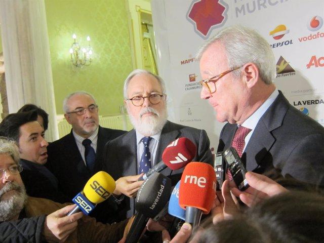 El presidente Valcárcel junto al ministro Arias Cañete