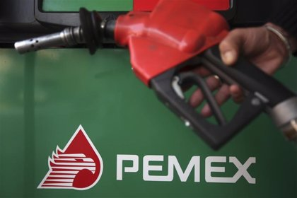 Pemex firma un acuerdo con la rusa Lukoil