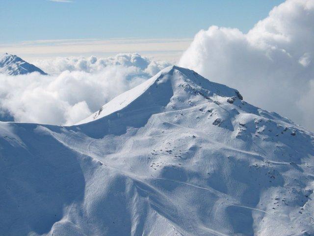 Nieve en las estaciones de esquí