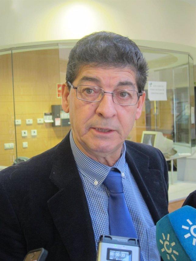 Diego Valderas, durante las declaraciones realizadas a los periodistas