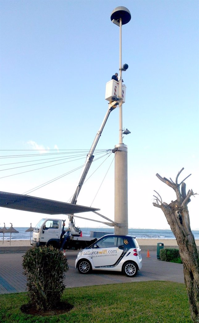 Instalación de servicio wifi en Playa de Palma