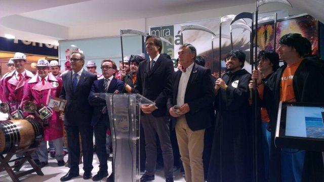 Málaga lleva su carnaval a Fitur