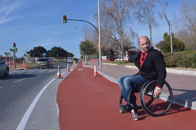 El edil de Movilidad y Accesibilidad, Raúl López, visita nuevos carriles bici