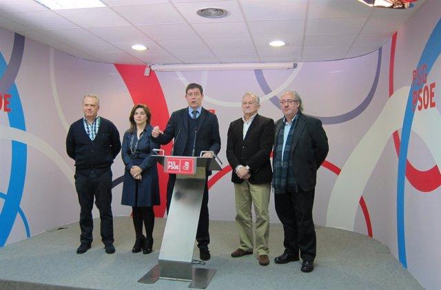 Rueda de prensa de Bestiero tas la reunión con parlamentarios de su partido