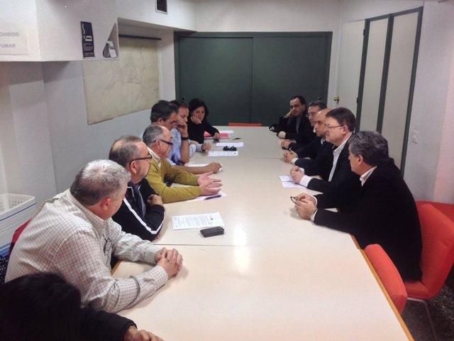 Puig se reúne con trabajadores de Coca Cola en Alicante
