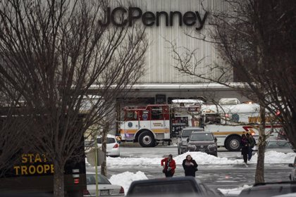 Tres muertos por un tiroteo en un centro comercial de Maryland