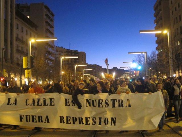 Colectivos sociales rechazan la actuación policial del fin de semana pasado.
