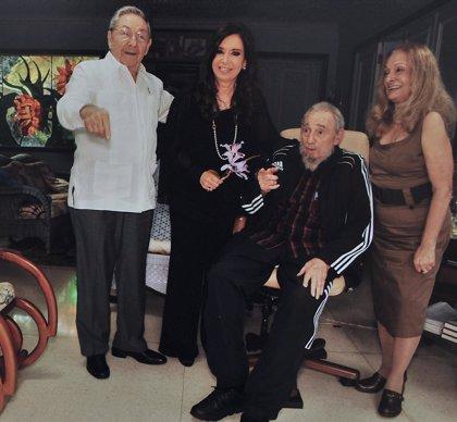 Cristina Fernández acude a un almuerzo informal con Fidel Castro y su familia