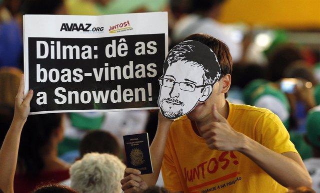 Activistas brasileños piden a Rousseff asilo político para Snowden