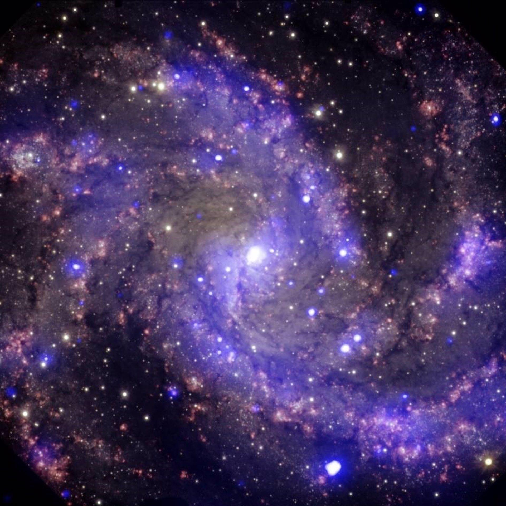 Las primeras galaxias crecieron masivamente mediante colisiones