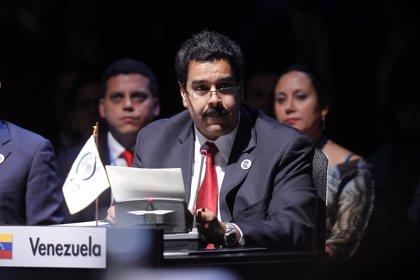 Maduro propone combatir juntos los resquicios coloniales
