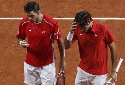 Federer se une a última hora a Wawrinka para jugar la eliminatoria en Serbia