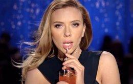 Scarlett Johansson en el anuncio de SodaStream para la Superbowl