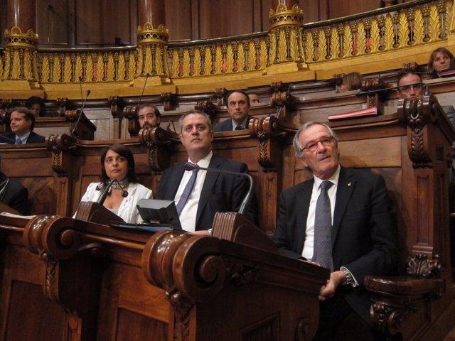 Los tenientes de alcalde Sònia Recasens y Joaquim Forn y el alcalde Xavier Trias