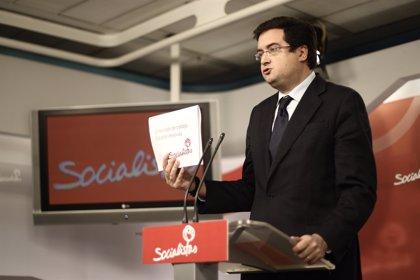 Óscar López (PSOE) reitera al Gobierno que retire las reformas laboral y del aborto y los copagos