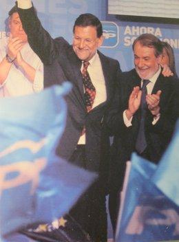 Foto de la foto de Rajoy y Mayor Oreja que forma parte de la exposición