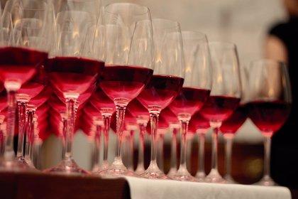 El consumo de cualquier tipo de alcohol, también el vino, puede desencadenar ataques de gota
