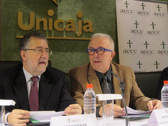 Sánchez Maldonado, junto al presidente de Aecc Málaga, Francisco Aguilar