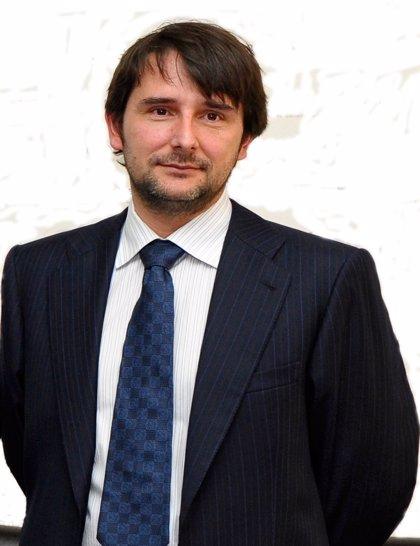 El doctor Cristóbal Belda Iniesta, nuevo director de la Escuela Nacional de Sanidad