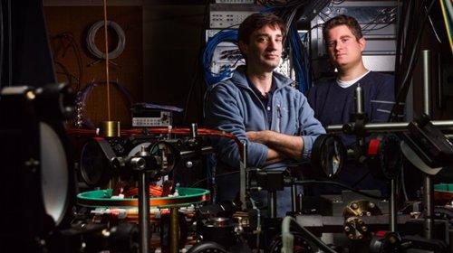 Creadores del primer monopolo magnético