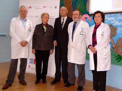 La doctora pionera en el transplante hepático en España edita el manual 'Enfermedad hepática en el niño'