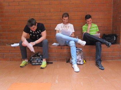 El 72,9% de los universitarios españoles tiene un peso normal, aunque una de cada diez chicas debería pesar más