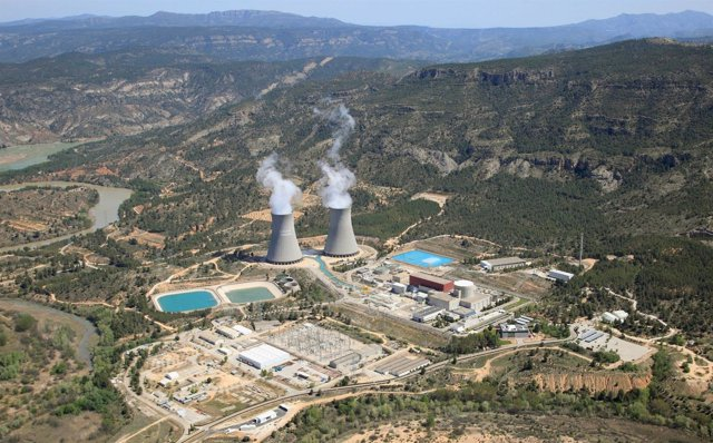 Vista aérea de la central nuclear de Cofrentes (Valencia)