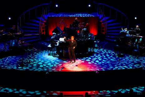 Málaga 28/11/2012 Concierto del cantante Raphael en el Teatro Cervantes.