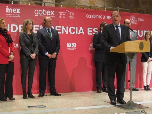Firma protocolo Violencia de Género en Extremadura