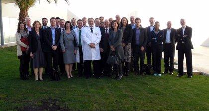Una delegación de la Sanidad británica visita el Hospital Universitario de La Ribera para estudiar el 'modelo Alzira'