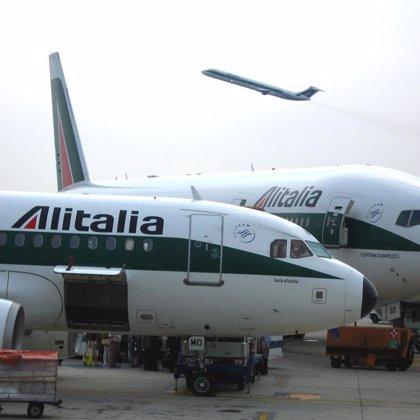 Alitalia alcanza un acuerdo con sindicatos para evitar el despido de 1.900 trabajadores