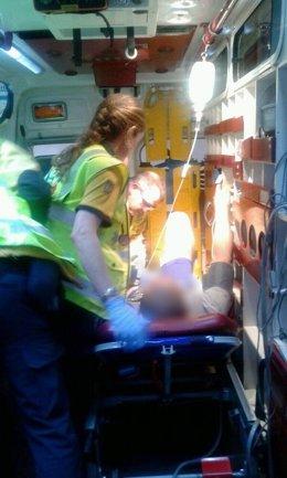 Atención al herido en la ambulancia