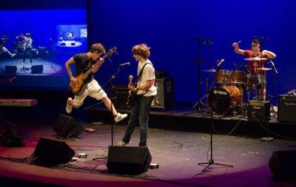 El grupo 89 Pounds, ganador del concurso ¡E.S.O. es Música!, actúa en directo en Fnac Valencia