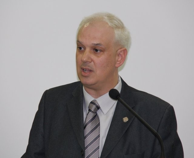 Robert Fauria (CDC)