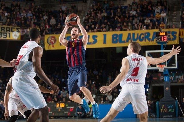El FC Barcelona vence al EA7 Emporio Armani Milan