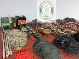 Artes de caza ilegales decomisadas