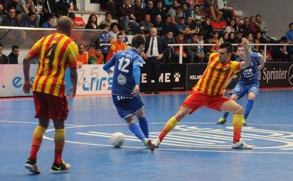 El Barcelona golea al Peñíscola (0-6) y sigue al ritmo de ElPozo Murcia