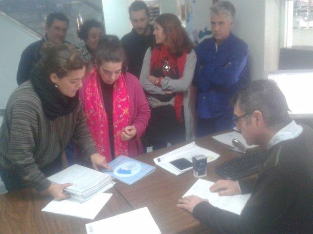 Comité de empresa del Ayuntamiento de Ayamonte presenta 3.000 firmas.