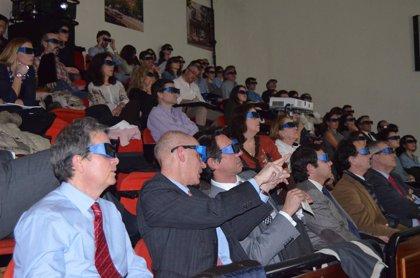 Más de 900 oftalmólogos participan en una jornada formativa que retransmite en 3D cirugías de córnea y glaucoma