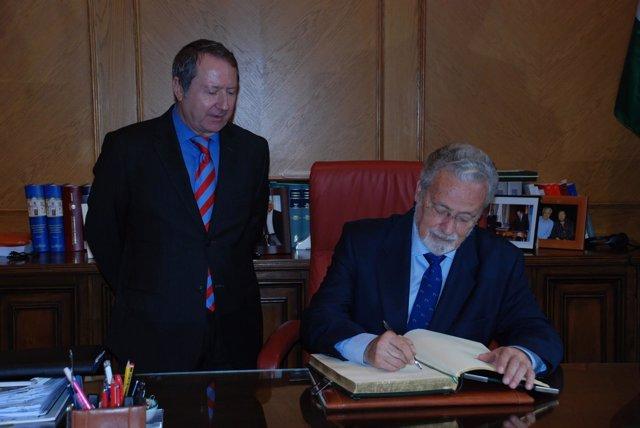 El defensor del Pueblo Andaluz se reúne con el presidente del Consejo Consultivo