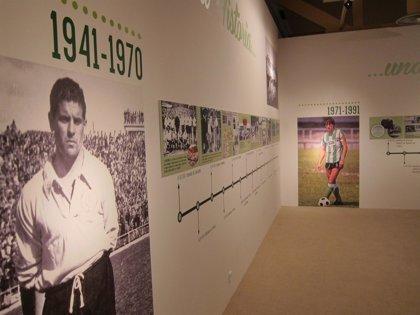 Las peñas inauguran en el Casyc una exposición sobre el centenario del Racing Club