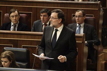 Rajoy pregunta a Rubalcaba si los reproches que le hace por volver a la ley del 85 se los hizo en 25 años